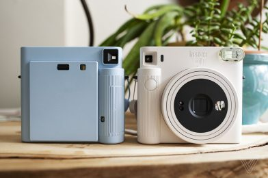Fujifilm's new Instax Sq. SQ1 brings the moment digicam again to its fundamentals