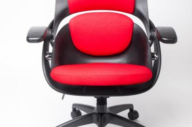 Arse Technica rolls once more: We overview the All33 Backstrong C1 chair