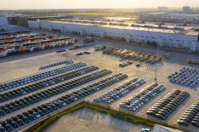 Tesla delivered a report 500,000 autos in 2020